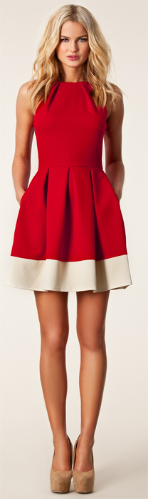 ddd2c321b5d7 Foto: Röd klänning 399 kr hos Nelly och svart klänning 499 kr hos Nelly.