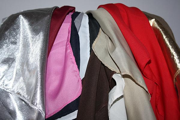 Färganalys Färgkonsult personlig stylist drapera med färg