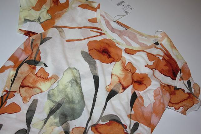 blommigtshirt