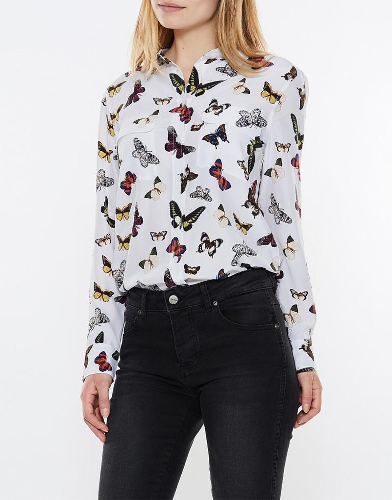 Och den här skjortan med fjärilar  ) – Käthe Nilsson ac60e0a8af396