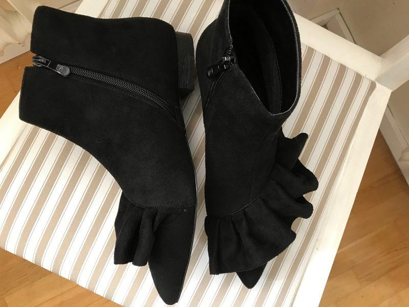 boots med volanger